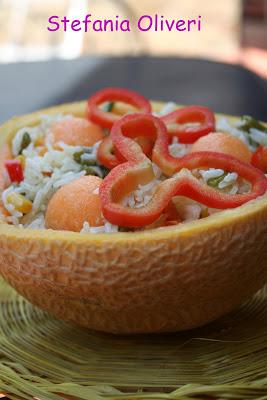 Insalata di riso basmati con cantalupo e peperoni