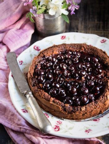 Torta al cioccolato e amarene - Cardamomo & co
