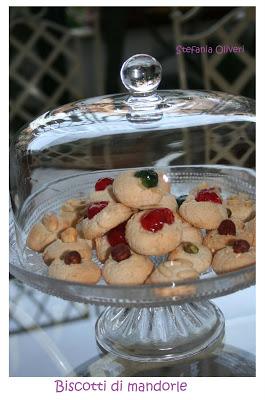 Biscotti di mandorle