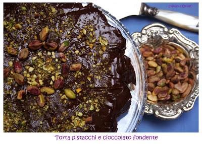 torta al cioccolato e pistacchi - Cardamomo & co