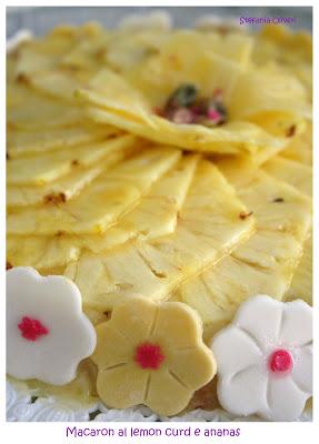 Torta macaron alle mandorle con lemon card e ananas - Cardamomo & co
