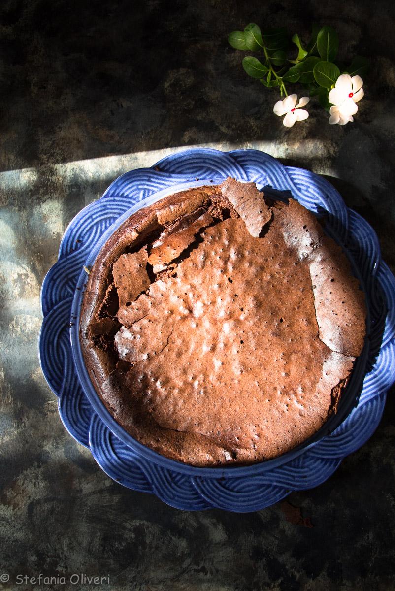Torta cioccolato e uvetta senza glutine - Cardamomo & co