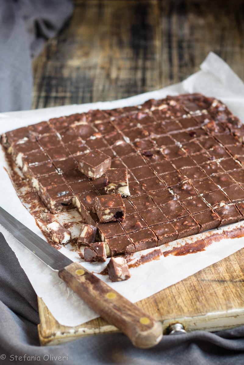 Torta al cioccolato e biscotti facilissima - Cardamomo & co
