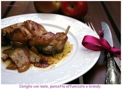 Coniglio al Brandy con mele e pancetta - Cardamomo & co