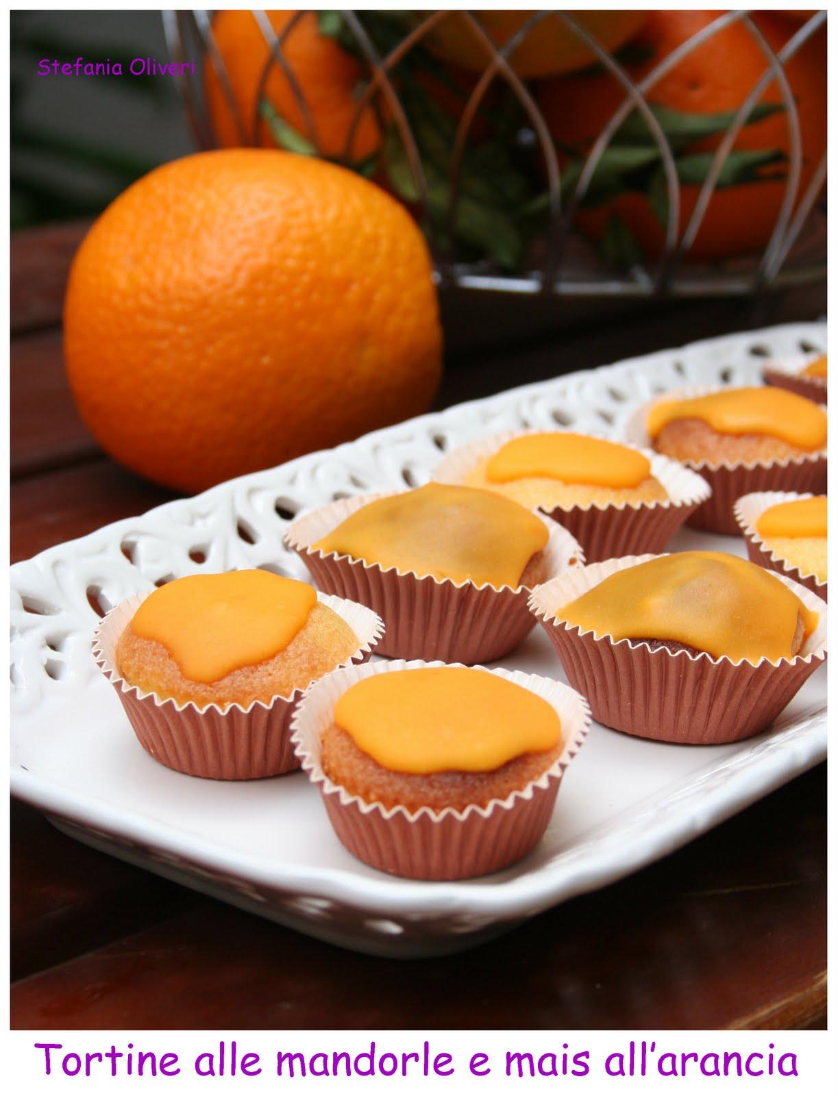 Tortine all'arancia e mandorle