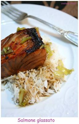 Salmone in padella glassato di Nigella - Cardamomo & co