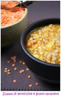 Zuppa di lenticchie indiana con grano saraceno