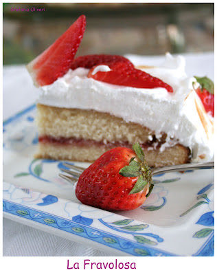 Torta con fragole disidratate di Martha Stewart - Cardamomo & co