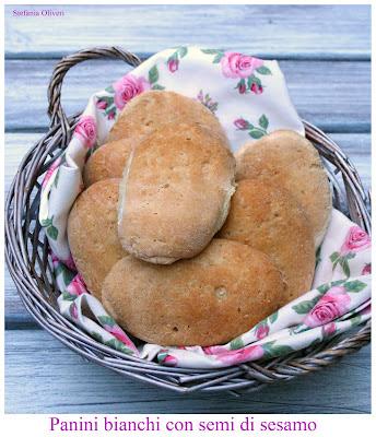 panini bianch senza glutine con semi di sesamo- Cardamomo & co