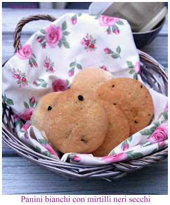 panini bianche senza glutine con mirtilli - Cardamomo & co