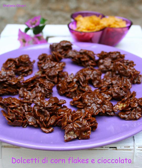 Dolcetti di Corn Flakes e Cioccolato facili, buoni e veloci.