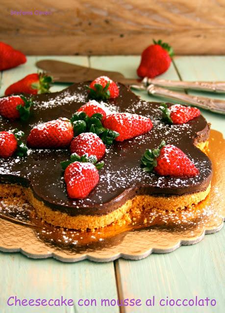 Cheesecake con mousse istantanea al cioccolato senza glutine