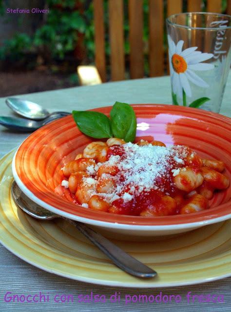 Gnocchi con salsa di pomodoro fresca Bimby - Cardamomo & co