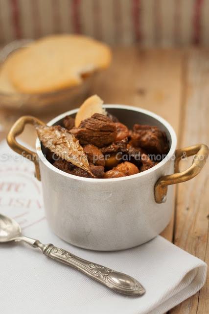 Spezzatino con prugne e castagne secche - Cardamomo & co
