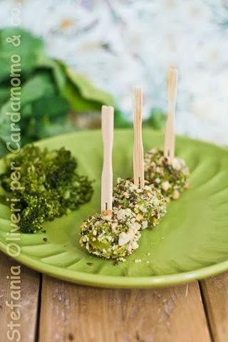 Crocchette di broccoli, curry e semi - Cardamomo & co