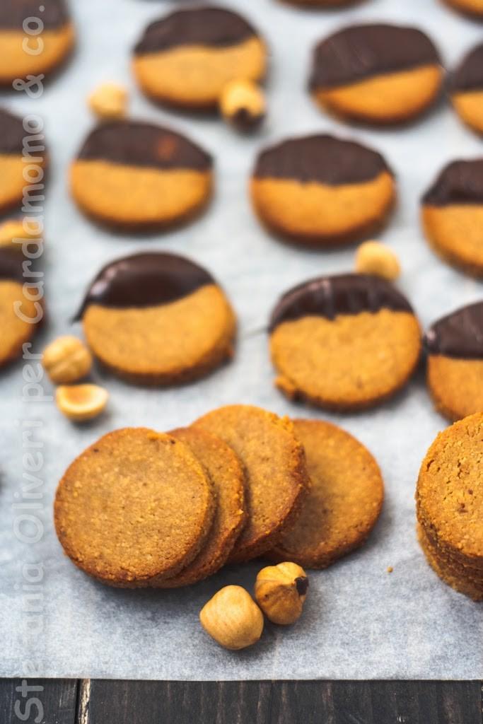 biscotti-di-nocciole-2235-b2