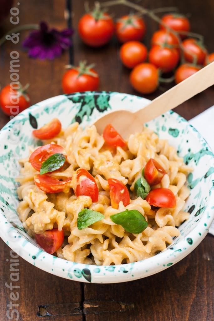 Pasta con pesto alla trapanese di Jamie Oliver - Cardamomo & co