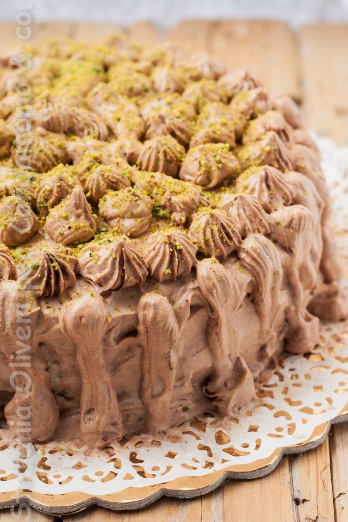 Torta al cioccolato con crema nutella e pistacchio - Cardamomo & co