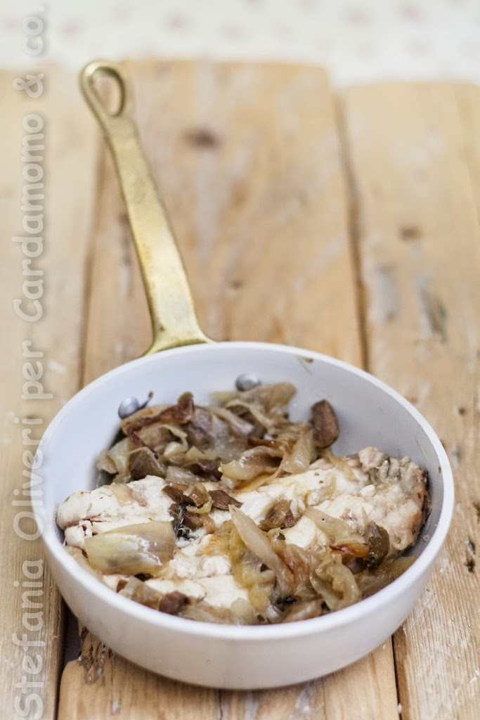 Mackerel with olives and onions - Cardamomo & co