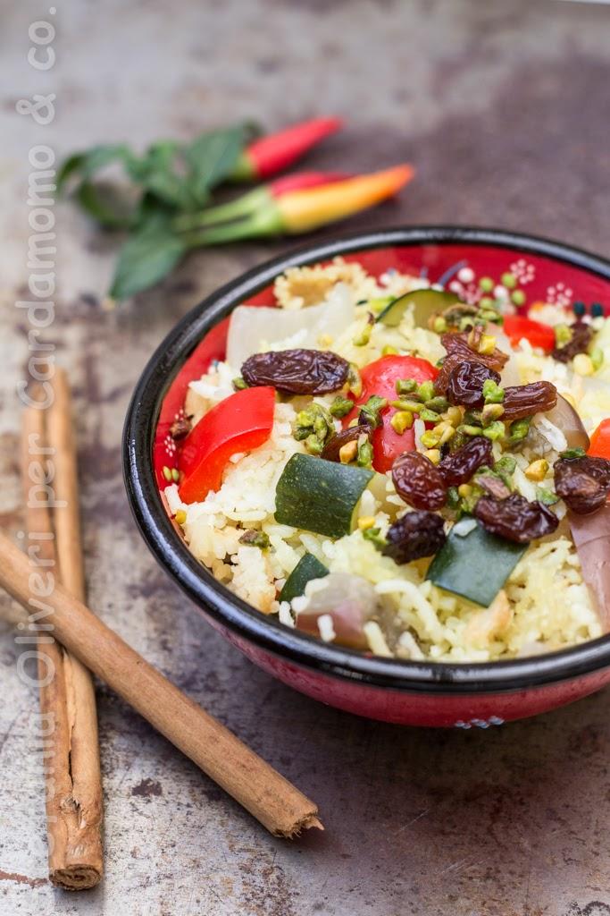 Riso basmati con verdure, uvetta e pistacchi