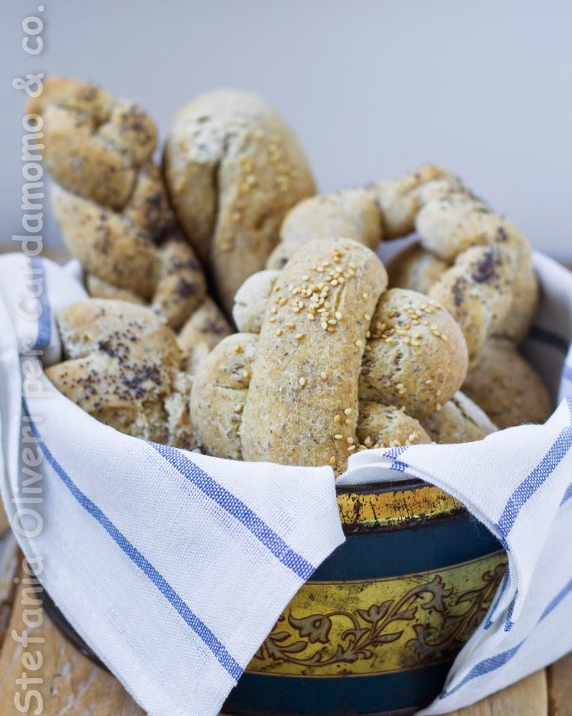Panini integrali senza glutine con lievito madre