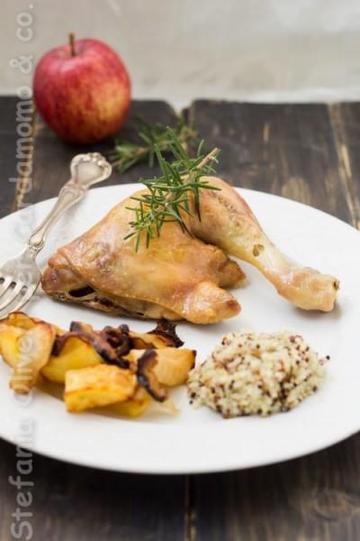 Pollo con patate al forno, funghi, mele e quinoa - Cardamomo & co