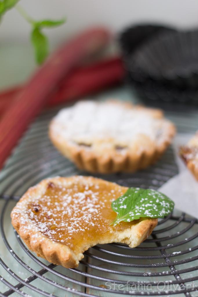 Crostata con rabarbaro e mele - Cardamomo & co