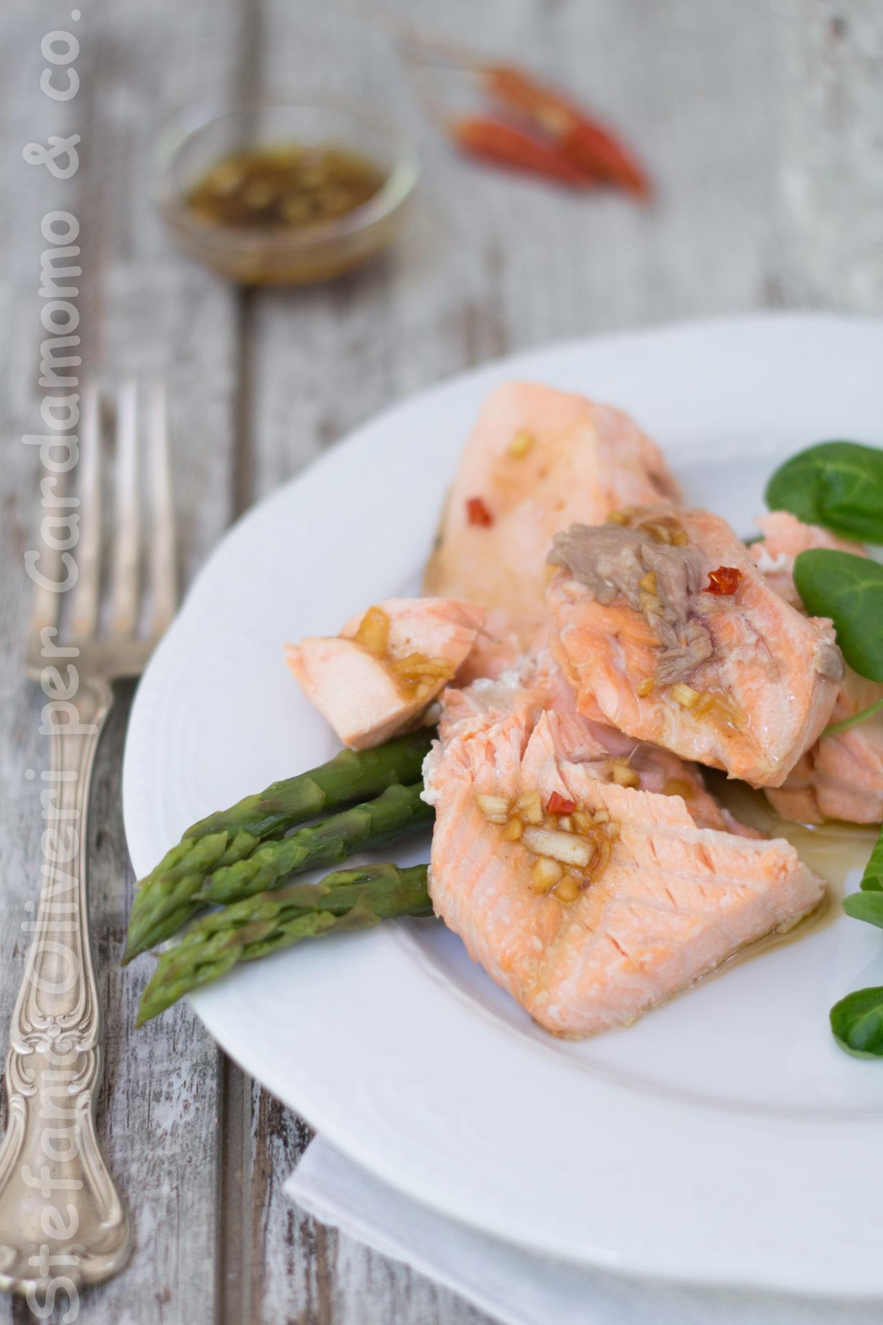 Salmone orientale di Jamie Oliver Cardamomo & co 3273