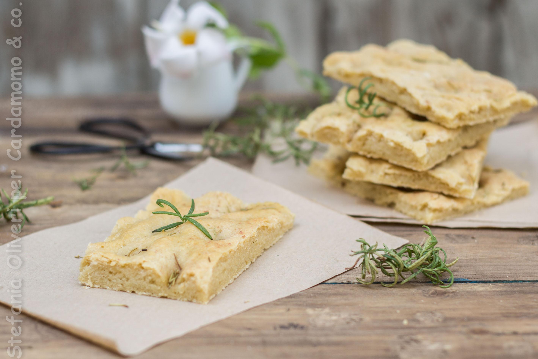 Focaccia senza glutine con teff e lievito madre - Cardamomo & co