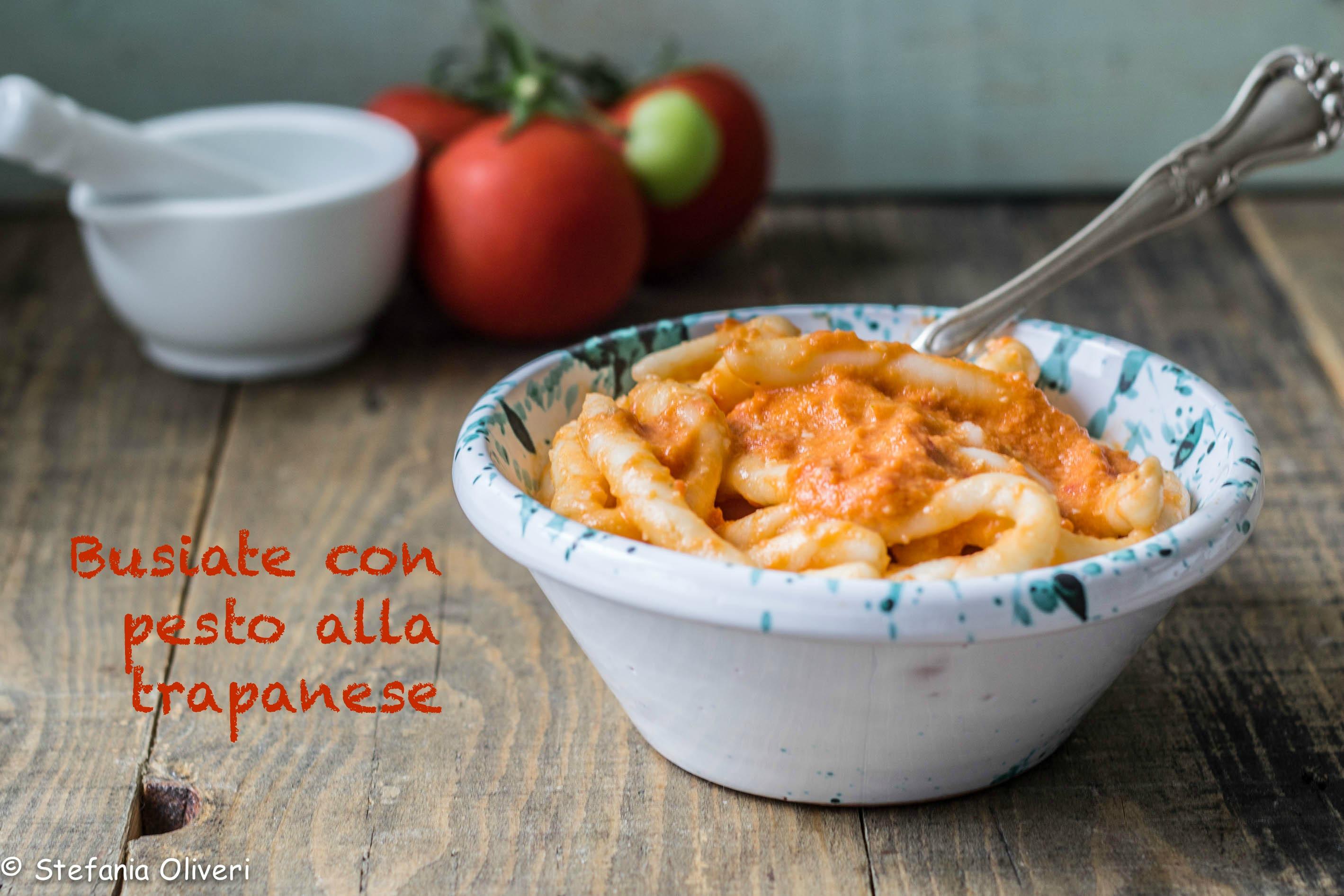 Busiate senza glutine con pesto alla trapanese - Cardamomo & co