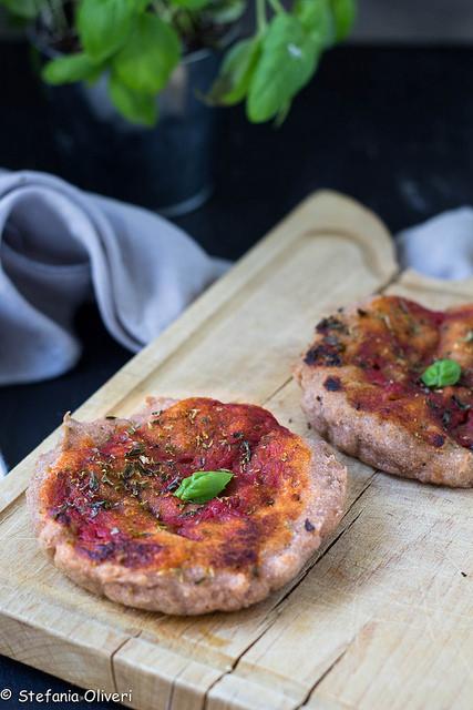 pizza integrale, senza glutine, vegan