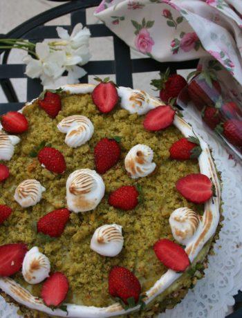 Torta di compleanno pistacchio e fragole