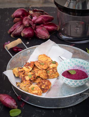 Frittelle con farina di ceci e cipolle rosse - Cardamomo & co