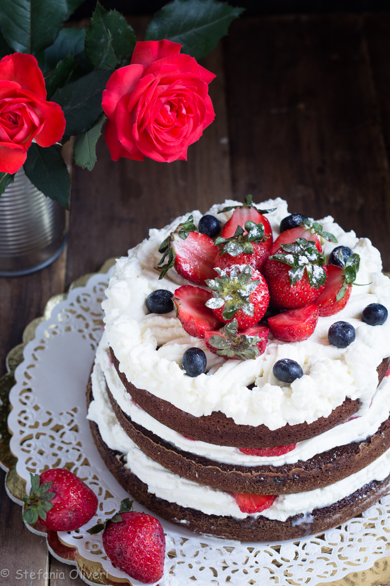 Torta cioccolato e fragole senza glutine - Cardamomo & co