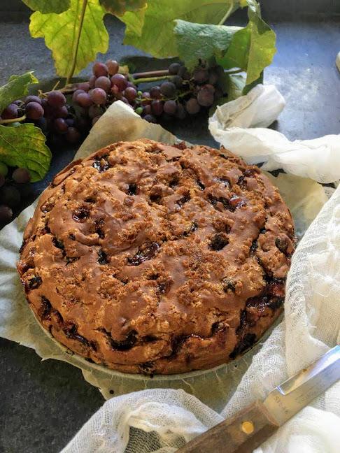 Torta con uva fragola senza glutine e uova - Cardamomo & co