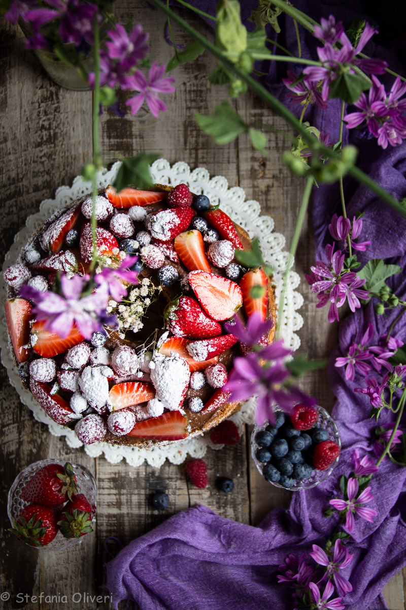 Torta per la Festa della Mamma: Chiffon cake con crema alla Nutella e frutta - Cardamomo & co