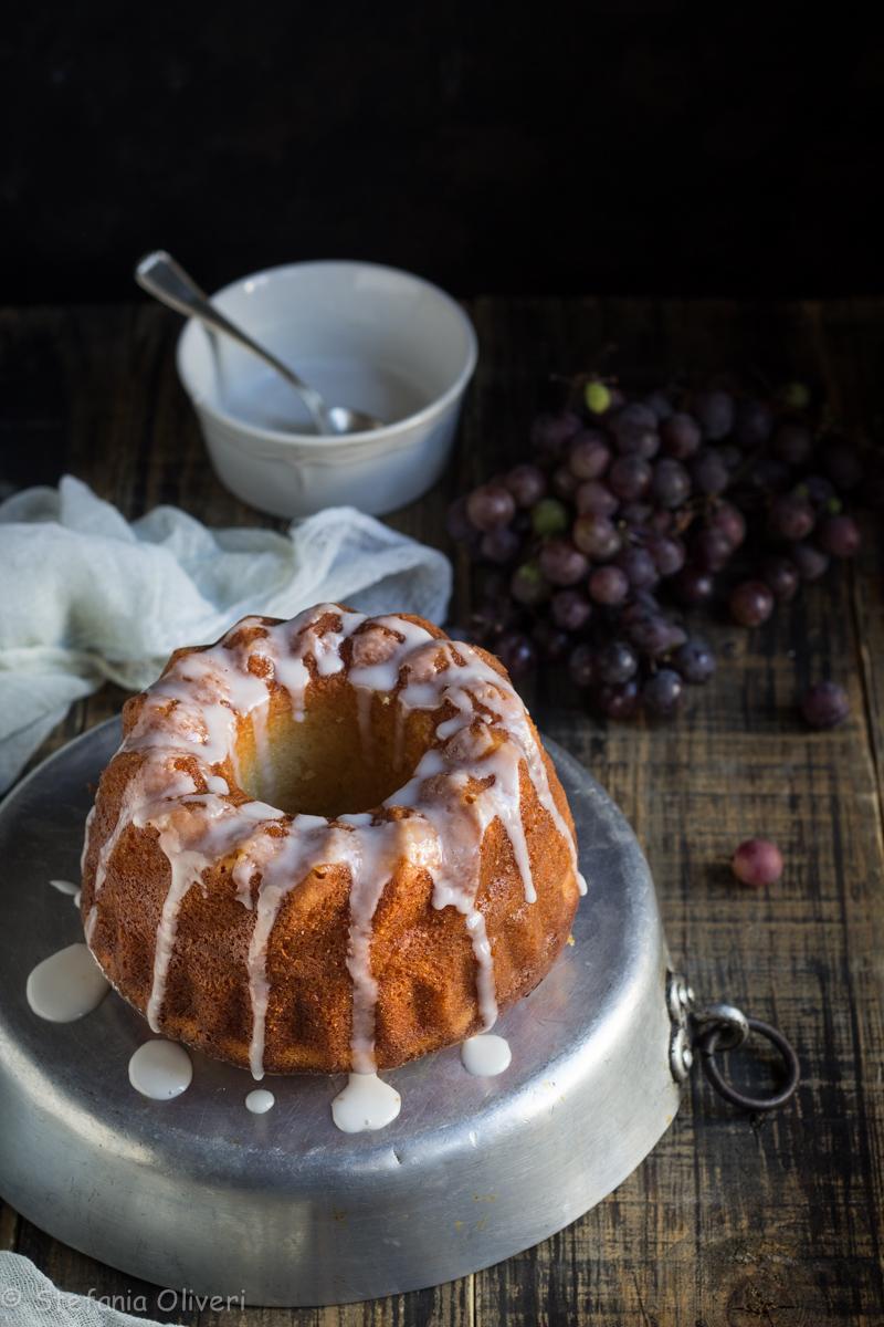 torta di mandorle e uva fragola senza glutine - Cardamomo & co